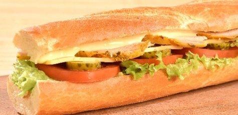 Fresh-sendvich-z-kurkoju-535x357