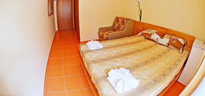 От 3 дней отдыха в бархатный сезон для двоих в курортном комплексе «Парус» в Затоке