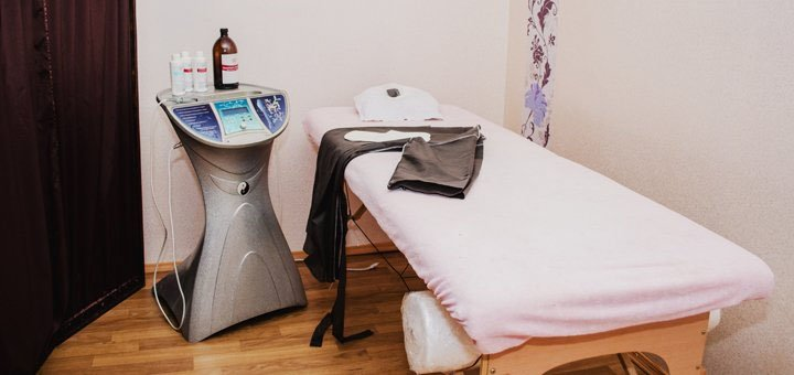 До 7 сеансов мультиполярного RF-лифтинга кожи лица и шеи в салоне красоты «Style-Nika»