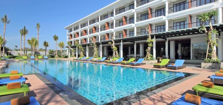 Специальная цена на отдых в Индонезия, Бали, отель «Santika Siligita 4*»
