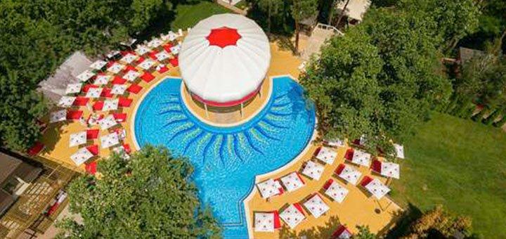 От 2 дней отдыха с крытым бассейном в отельно-ресторанном комплексе «KNZS» под Киевом