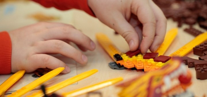 Абонемент на 1 или 3 дня посещения детского LEGO-клуба «Кубик» для одного или двоих детей