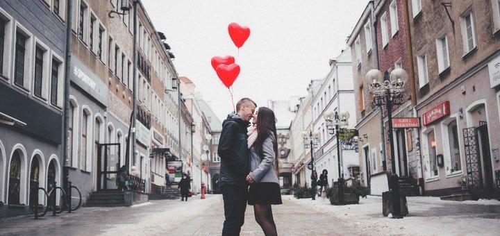 Скидка 1400 грн на все пакетные туры к праздникам Св.Валентина и 8 марта