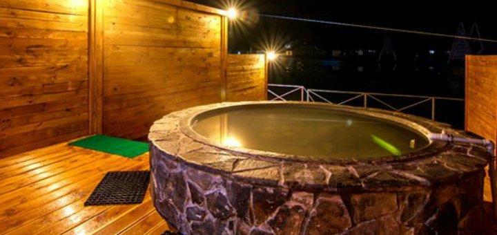 Отдых для двоих или компании: купание в чанах, проживание в комплексе «Баня Афродиты»