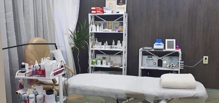 Восковая депиляция зон на выбор в косметологическом кабинете «Красотка»