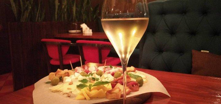 Любые блюда из меню кухни и барной карты в «Al Forno Pizzeria»