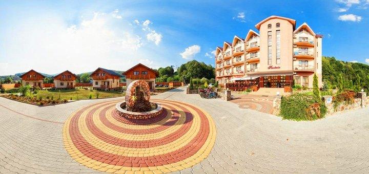 От 4 дней VIP-отдыха в коттеджах гостиничного комплекса «Фантазия» в Поляне