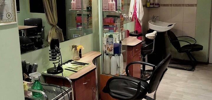 Стрижка, окрашивание волос и укладка в салоне красоты «Гламур»