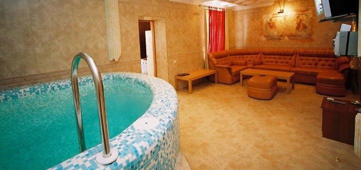 До 30 посещений бассейна для одного или двоих в отельном комплексе «Морской»