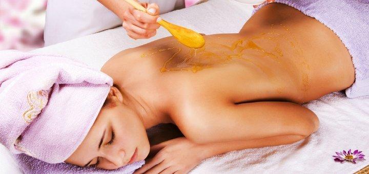 Скидка до 56% на медовый массаж в массажном кабинете «Freedom Massage»