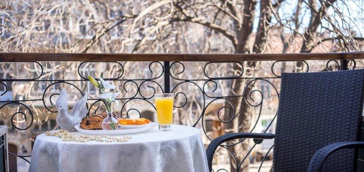 От 2 дней отдыха с завтраками и пакетом услуг в отеле «Sinfonia del Mare» в Одессе