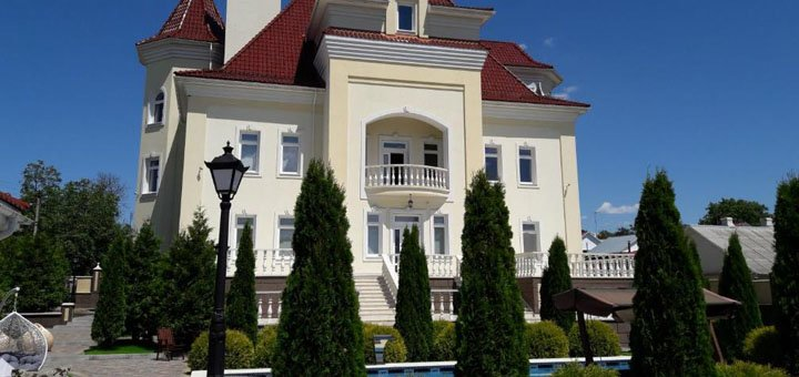 От 2 дней отдыха в уникальном отеле «Luxury Manor Guest House» в Каменце-Подольском
