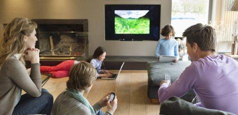 H-multi-screen-viewing-canada-628x314