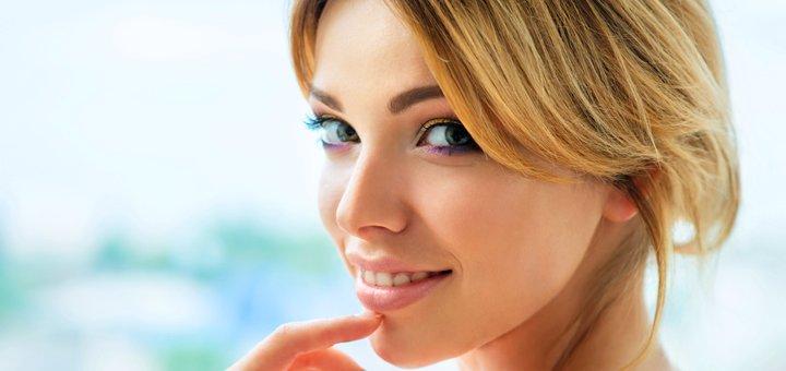 Скидка до 70% на миндальный, молочный или салициловый пилинг лица в центре «Sono»