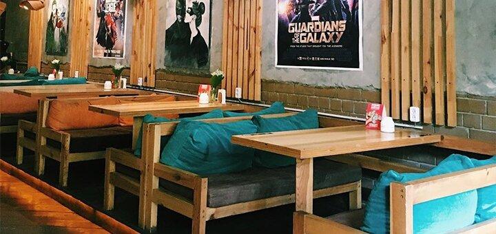 Скидка 50% на все меню кухни и безалкогольные напитки в ресторане «Comics Place»