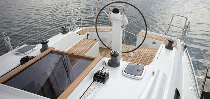 Скидка 40% на романтическое путешествие по Киевскому морю на яхте VIP класса от «Я на Яхте»