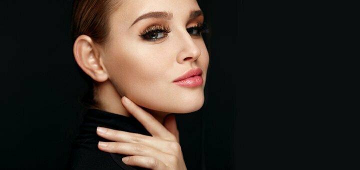 Скидка 50% на контурную пластику губ в косметологической клинике «Aesthetics hall»