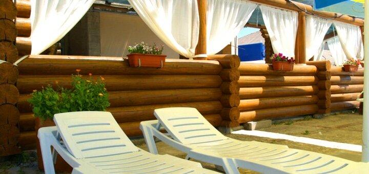 От 3 дней отдыха в сентябре с завтраками в отеле «Black Sea» в Скадовске в 10 метрах от моря