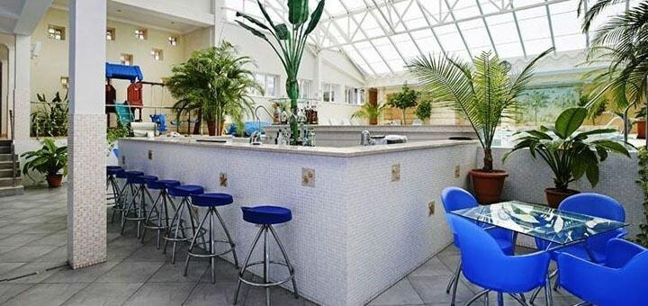 От 2 дней отдыха зимой с завтраками и бассейном в отеле «Морской 4*» в Одессе