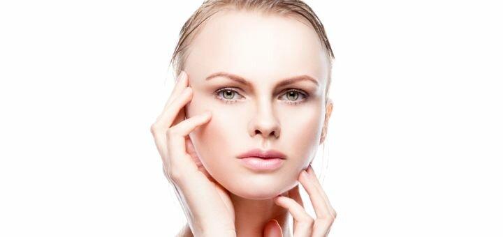 До 3 сеансов лазерного карбонового пилинга лица, шеи или декольте в косметологии «Медхилс»