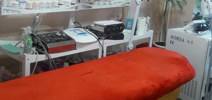 До 3 сеансов гиалуронопластики лица с ультразвуковой чисткой от косметолога в «Natalimage»