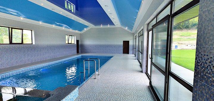 От 3 дней отдыха с бассейном и завтраками в отельном комплексе «Ashad» в Сваляве