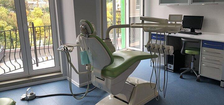 Скидка 65% на УЗ-чистку с отбеливанием системой «Mаgic Smile» в стоматологии «Симфония»
