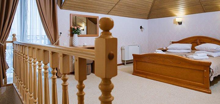 От 5 дней отдыха с полным пансионом и лечением в отеле «Золотая Корона» в Трускавце