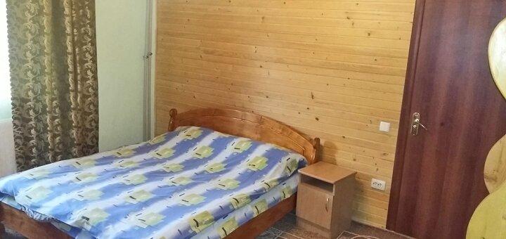 От 3 дней отдыха зимой с питанием в отеле «Карпатські Роси» в Яремче