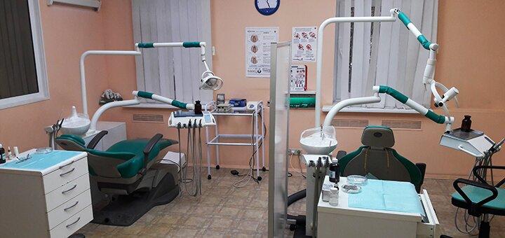Лечение кариеса с установкой пломб в стоматологической клинике «Densim»