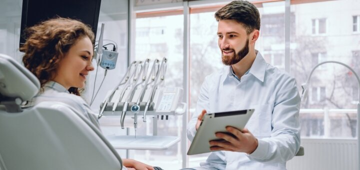 Консультация у одного из 6 специалистов в стоматологической клинике «Симфония»