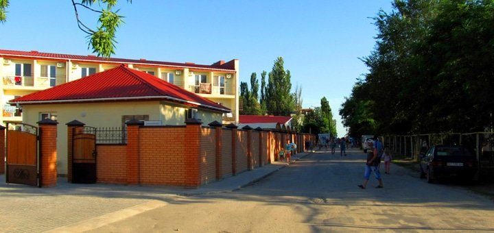Бархатный сезон! От 3 до 15 дней для двоих в отеле «Лагуна» в поселке Лазурное!